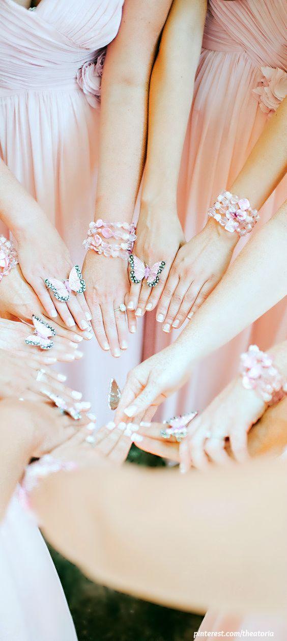 Idei deomnisoare de onoare pentru nunta cu tema fluturi