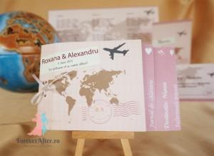 Invitatii de nunta tip carte Love Travel pentru nunti in culoarea anului 2016 - roz quartz si albastru seren