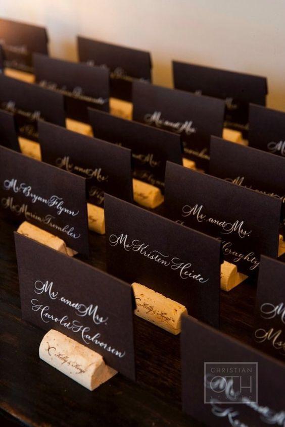 escort cards pentru nunta cu tema vinului